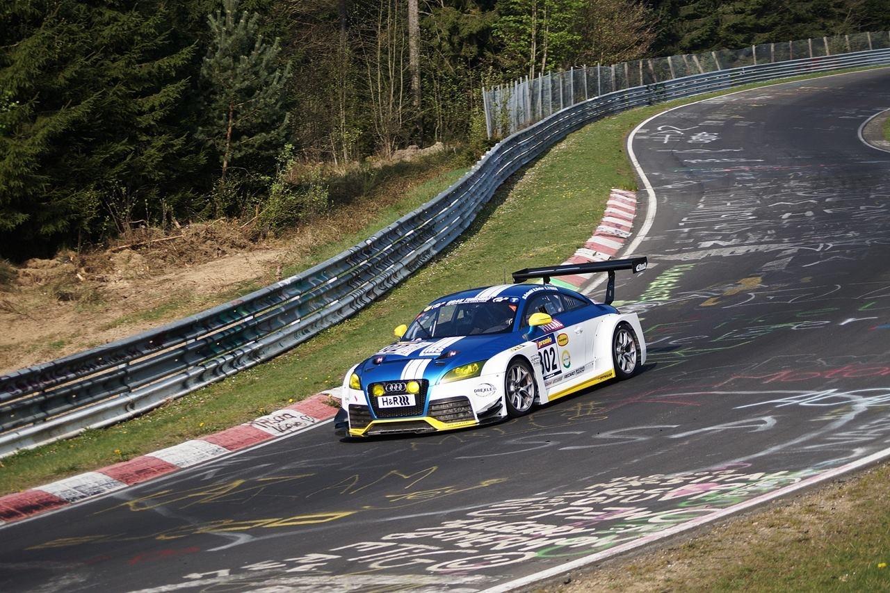 2. Platz im Audi TT RS und Platz 6 im Opel Astra Cup
